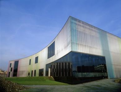 Laban_herzogdemeuron_building